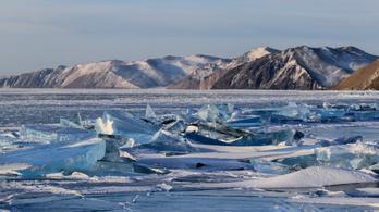 Megdönthették a jég alatti úszás világrekordját Szibériában