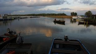 Ajándék horgászjegyek a Tisza-túra egészségügyi dolgozóknak