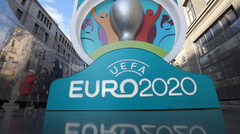 A svájci futballelnök szerint nem valószínű a 12 helyszínes rendezés