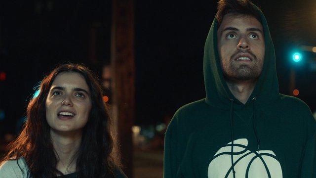 Ezredfordulós egyetemi szerelem: Shithouse – kritika