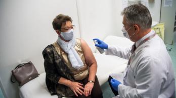 Védőoltás: a munkáltatók csak Müller Cecíliában reménykedhetnek