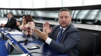 Ujhelyi: elfogadták az EU egészségügyi csomagját, tizenkétszer több pénz jut a programokra