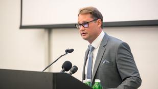 Jakab Ferenc: rémhír, hogy a vakcinát kapkodva állították elő