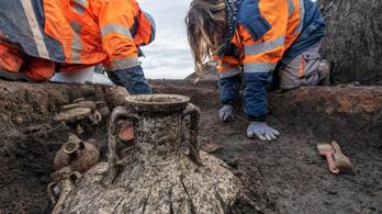 Kétezer éves gyermeksírra leltek Franciaországban