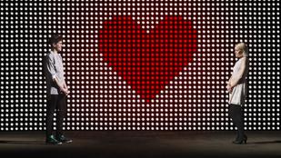 Red flags: 8 intő jel, hogy rossz emberrel randizol