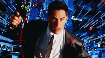 2021-ben Keanu Reeves menti meg a halálos vírustól a Földet