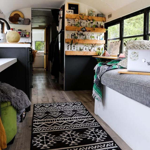 Régi buszokból igazi álomotthon: minden megvan bennük, és csakugyan gyönyörűek