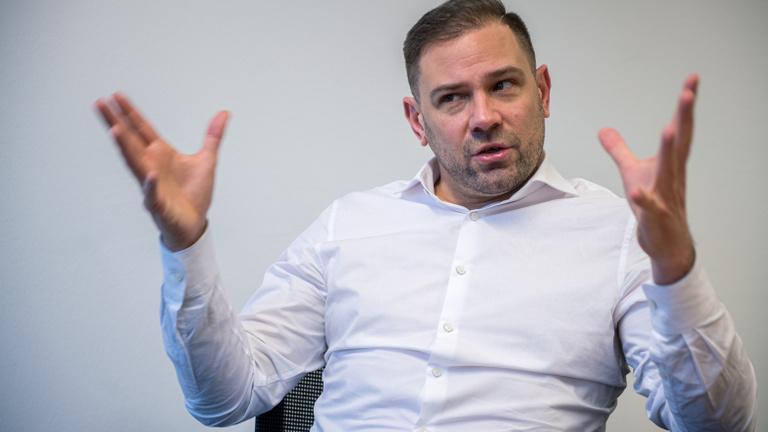 Budapestre csábítanák a férfi kézidöntőt
