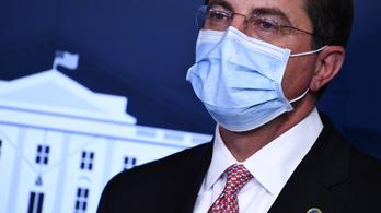 Lemond az amerikai egészségügyi miniszter a Capitolium ostroma miatt