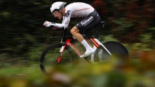 Edzés közben elütötte egy autó a Giro-dobogós holland biciklist