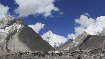 Először mászták meg télen a K2-t