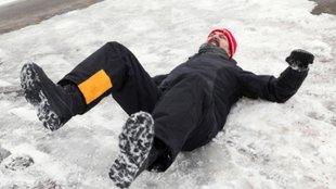 Jég, hó, ónos eső, csúszós járdák: több a végtagtöréses baleset