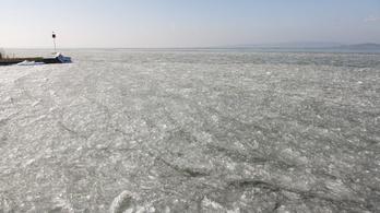 Kezd befagyni a Balaton, de még vékony a jég