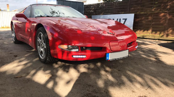 Minden Corvette Ferrari