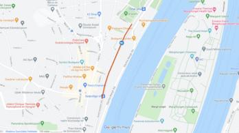 Kigyulladt egy busz Óbudán