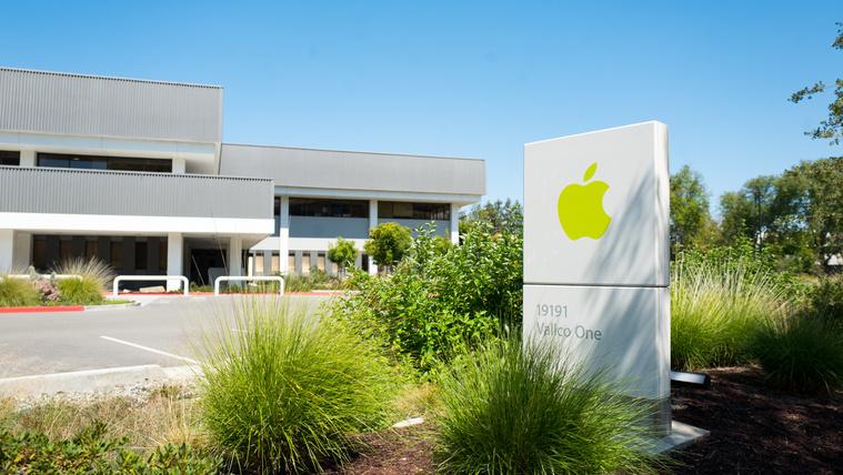 Beperelték az Apple-t