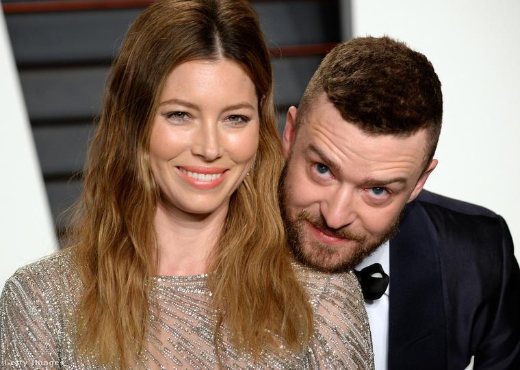 Bár már tavaly nyár elejénkiderült, hogy Justin Timberlake-nek és Jessica Bielnek megszületett a második gyermeke, amit az énekes egyik barátja júliusban megerősített, Timberlake csak a minap nyilatkozott arról, hogy nagyobbik fia, Silas mennyire örül, hogy van egy kistesója.A sztárpár példáján felbuzdulva, akik lényegében a legutolsó utáni pillanatig titkolták a családbővülésüket, 8 további esetet gyűjtöttünk össze, ahol a sztáranyukáknak szinte terhességük egész ideje alatt sikerült eltitkolniuk, hogy terhesek.