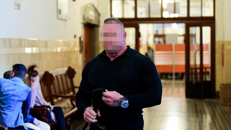 A bíróság elrendelte M. Richárd letartóztatását