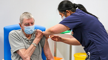 Megkezdődött a 70 éven felüliek oltása az Egyesült Királyságban