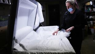 Egy évvel csökkent a várható élettartam a koronavírus miatt az Egyesült Államokban