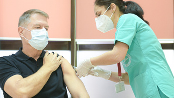 Románia lakóinak csak a 35 százaléka oltatná be magát koronavírus ellen