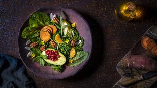 Sült paprika-csirke saláta – csípősen, egy kis gránátalmával a legfinomabb