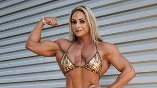Ennek a 37 éves testépítőnőnek akkora a bicepsze, hogy bárki megpihenhet az árnyékában