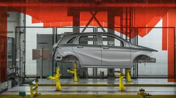 Tíz napra ismét leáll a termelés a kecskeméti Mercedes-gyárban