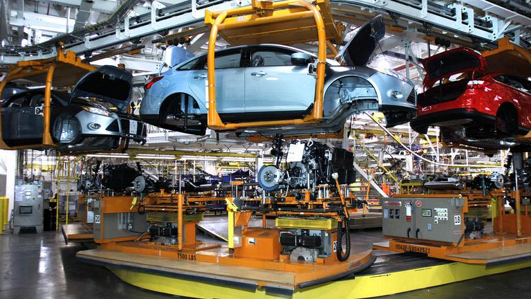 Alkatrészhiány hátráltatja az autógyártókat