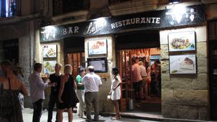 Terjed a vírus a spanyoloknál, két hétre bezárnak a vendéglátóhelyek