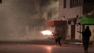 Összecsaptak a tüntetők a rendőrökkel Tunéziában
