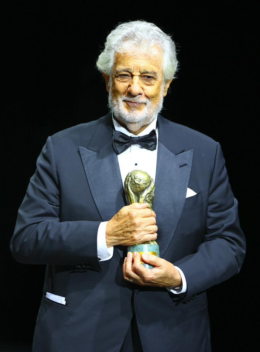 2020 szeptemberében a CC Forum-díját vehette át Monacóban.