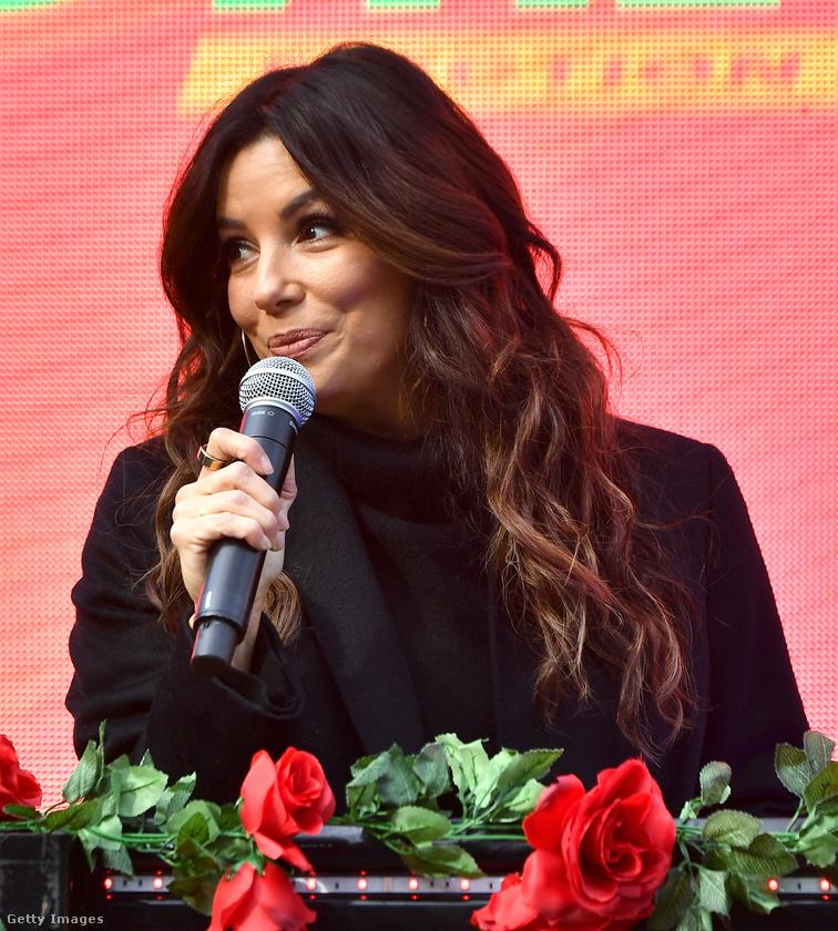2020 decemberében nemcsak hogy ismert színésznő, reklámarc, de politikai aktivista is: itt éppen a georgiai választásokon buzdít