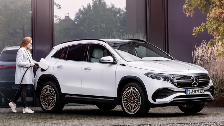 Megjött a Mercedes legelérhetőbb villanyautója