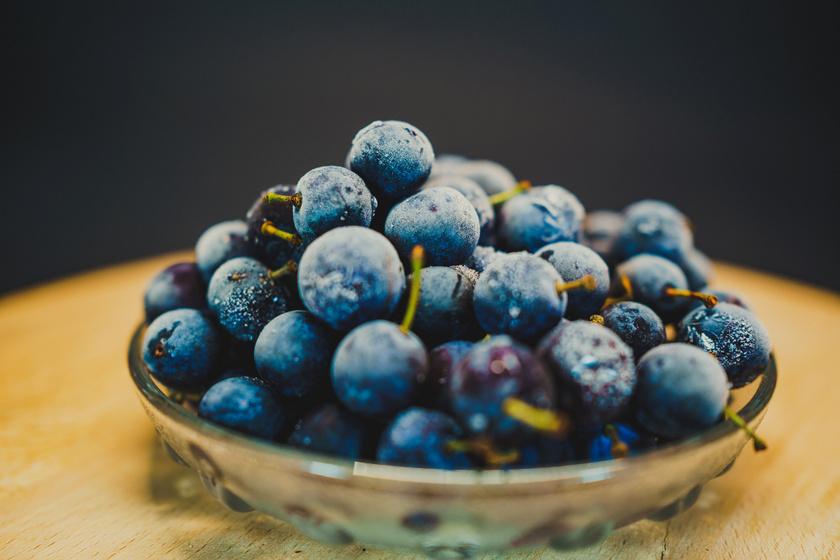 4 immunerősítő bogyó a téli erdőből a kökénytől a somig: sokkal jobbak az egzotikus gyümölcsöknél
