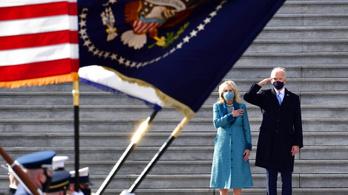Katonai szemlét tartott Joe Biden