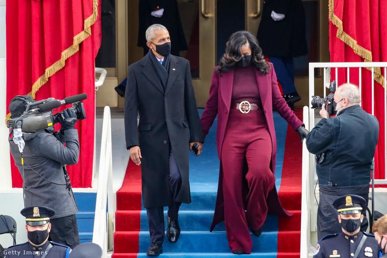És most nézzük más fontos, de nemceleb személyek öltözetét: elsőként Barack és Michelle Obamát mutatjuk