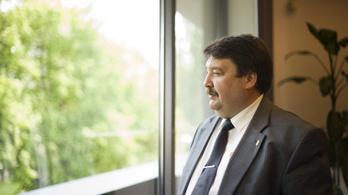 Leváltották a külügyminisztérium helyettes államtitkárát