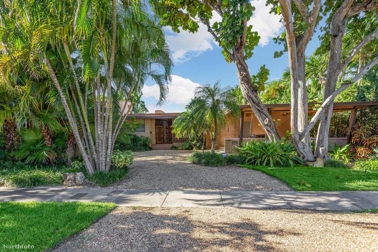 Cindy Crawford és a férje, Rande Gerber valószínűleg már unni kezdték Malibu tengerpartját, ezért beújítottak egy másik tengerparti házzal, ami Amerika túlsó felén, Floridában található