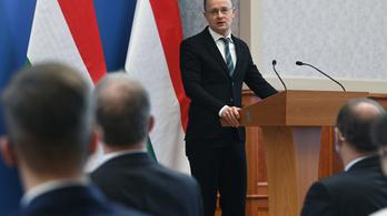 Szijjártó: fejlesztik a közlekedést Szlovákia és Magyarország között, új hidak épülnek az Ipolyon