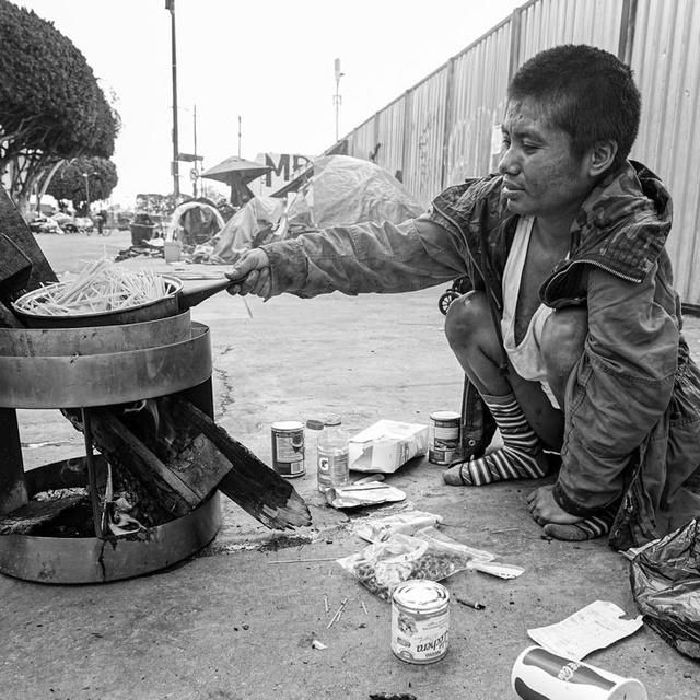 Ilyen az élet Los Angeles leghíresebb nyomornegyedében: megrázó képeken a Skid Row lakói
