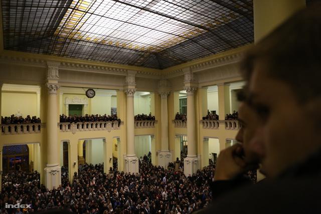 A Hallgatói Önkormányzatok Országos Konferenciája (HÖOK) hallgatói formutát a BME épületébe