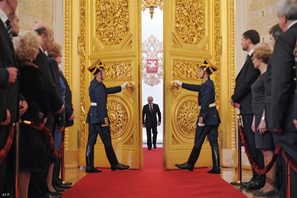 Harmadszorra tette le a hivatali esküt Oroszország elnökeként Vlagyimir Putyin május 7-én.
