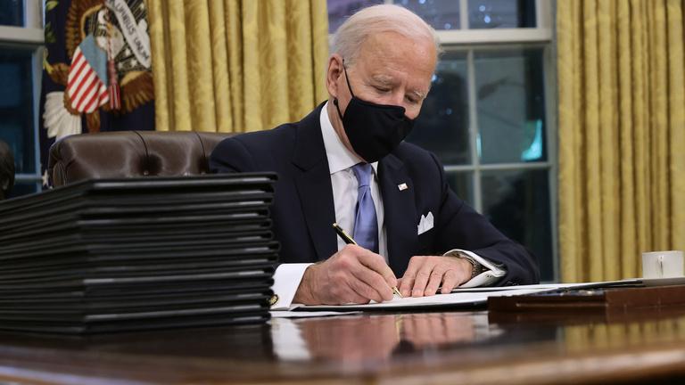 Nem a méret számít: ők keresnek többet Bidennél