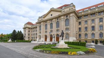 Debrecenben tiltakoznak az egyetemek modellváltása ellen