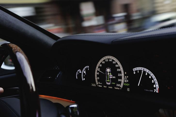 A sebesség az egyik legfontosabb adat, amit az adatrögzítők eltárolnak. Erre a feladatra alkalmas akár a légzsák vezérlőegysége is