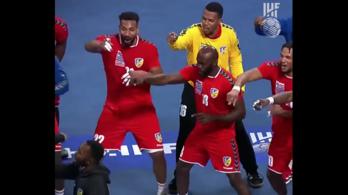 Hatalmas örömtáncot lejtettek a kongói kézisek az első győzelmük után