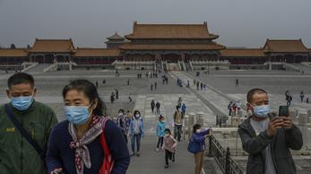 Bezártak a pekingi iskolák, zajlik a tömeges tesztelés
