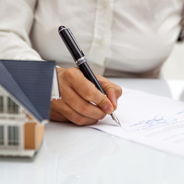 Mit fizet a vevő a vételáron túl, ha ingatlant vásárol? Sokakat váratlanul érnek a pluszkiadások - Az ügyvéd válaszol