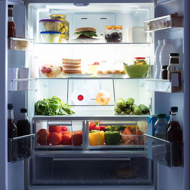 Mit szabad és mit tilos lefekvés előtt enni? Erre figyelj az esti nassolásnál
